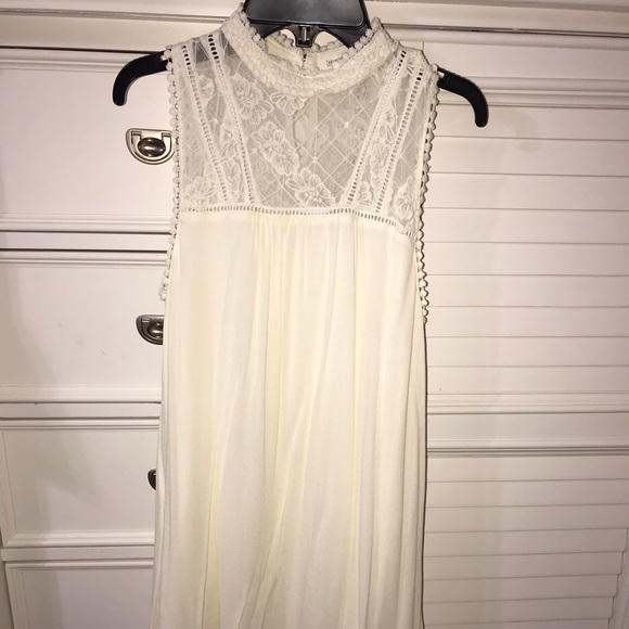 Taylor & Sage Dresses & Skirts - off white dress